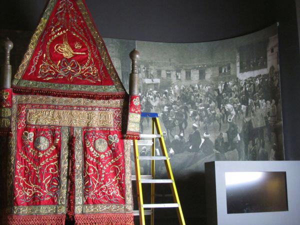 أصداء واسعة واهتمام اعلامي غير مسبوق بمعرض الحج في بريطانيا ( رحلة لقلب الاسلام ) Hajj-journey-to-the-