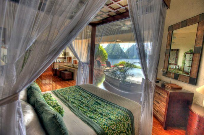 منتجع يتيح مشاهدة الكاريبي وأنت داخل مسبح بغرفتك