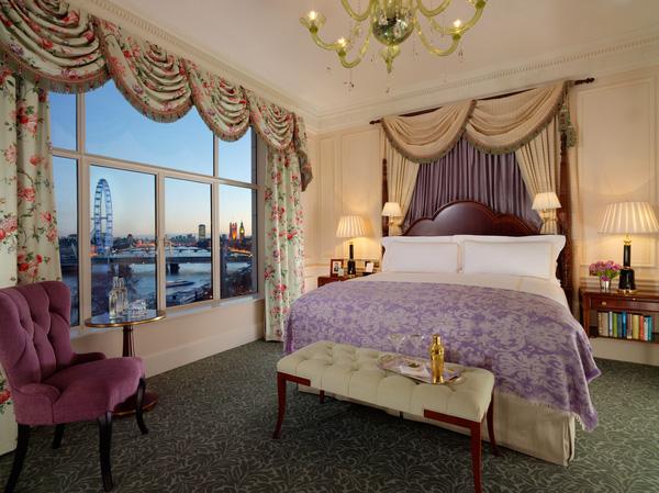 مشهد لنهر التيمز من غرفة فندق سافوي لندن