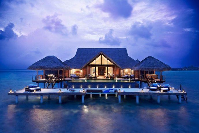 أكواخ منتجع تاج إكزوتيكا على أكبر بحيرات المالديف