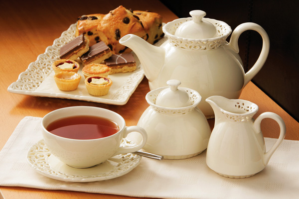 ضيفنااا هادا الاسبوع   في كرسي الاعتراف هو  الاخ  المحترم RoboCool - صفحة 2 British-tea-