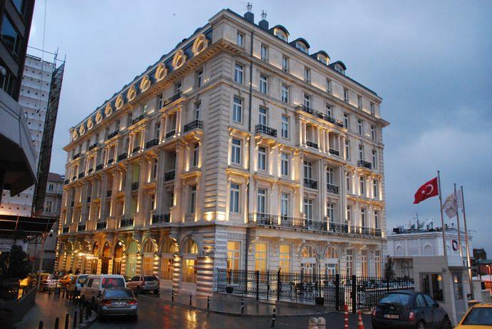 """فندق """"بيرا بالاس"""": تحفة تاريخية في قلب إسطنبول"""