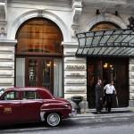 """مدخل فندق """"بيرا بالاس"""" التاريخي في إسطنبول"""