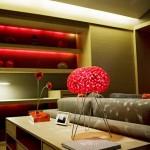 الألوان الزاهية أهم ما يميز تصميم غرف المنتجع