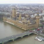 """تتيح """"عين لندن"""" مشاهدة مناظر بانورامية للعاصمة البريطانية"""