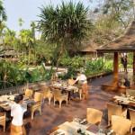 مطعم لي جراند لانا المصمم من خشب الساج القوي