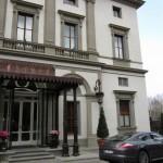 "مدخل فندق ""جراند هوتيل فيلا كورا"""
