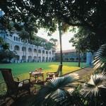 """حديقة فندق """"رافلز سنغافورة"""""""