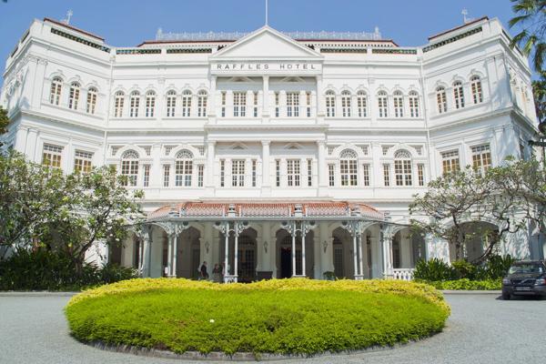 فندق رافلز سنغافورة: تحفة معمارية مستوحاة من عصر النهضة الفرنسية
