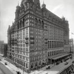 """صورة لفندق """"والدورف أستوريا، نيويورك"""" عام 1902"""