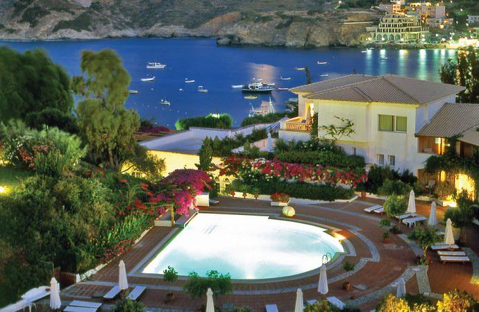 روعة الجزر اليونانية ورفاهية الحياة في منتجعات جزيرة كريت