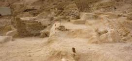 الحفر خلسة يكشف عن بقايا معبد فرعوني لتحتمس الثالث جنوبي القاهرة