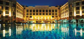 """فندق الريجنسي يحصل على جائزة """" أفضل فندق فخم لإقامة الأعمال 2014"""" في الكويت"""