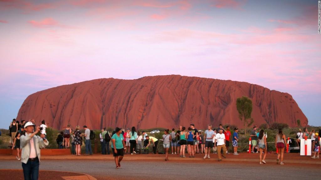 محمية أولورا- كاتا جوتا Uluru-Kata Tjuta National Park  أستراليا