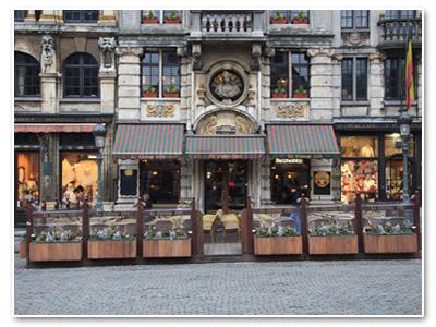 مطعم السفينة الشراعية الذهبية أو La Chaloup d'Or