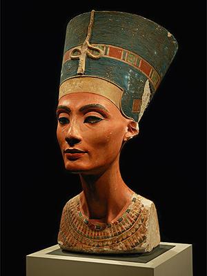 تمثال رأس نفرتيتي