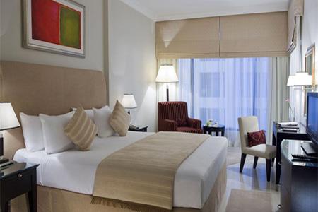 """غرفة في فندق """"جلوريا"""" ـ دبي"""