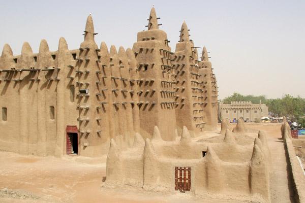 المسجد الكبير في جينيه