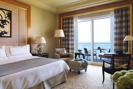 إحدى غرف فندق فورسيزونز بيروت