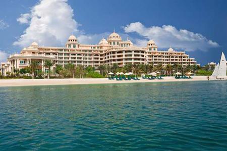 شاطئ فندق وشقق كمبنسكي بالم جميرا ريزدنس ، دبي