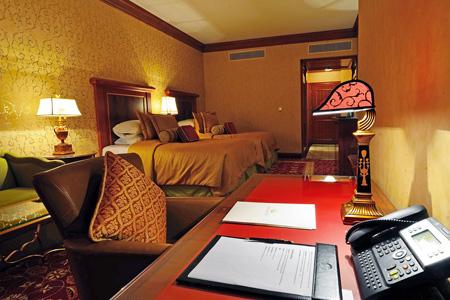 """غرفة في فندق """"جراند هيريتج الدوحة"""" ـ قطر"""
