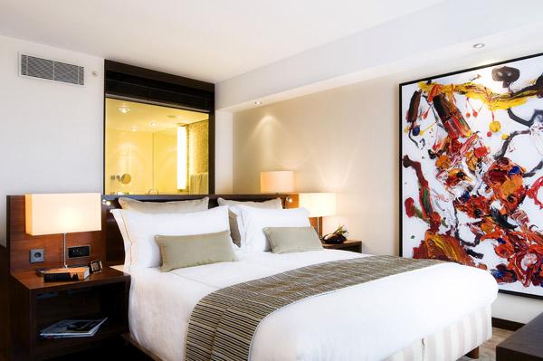 غرفة في فندق جميرا فرانكفورت، ألمانيا