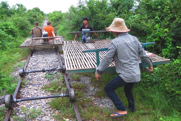 قطار البامبو الخشبي، كمبوديا