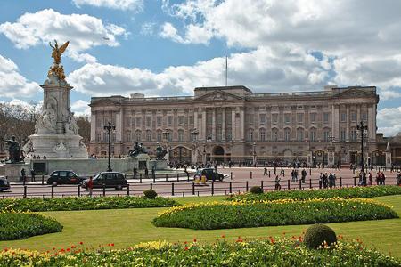 قصر باكنجهام، لندن ـ بريطانيا