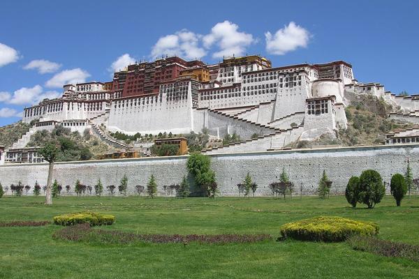 قصر بوتالا.. تاريخ التبت وملامح البوذية