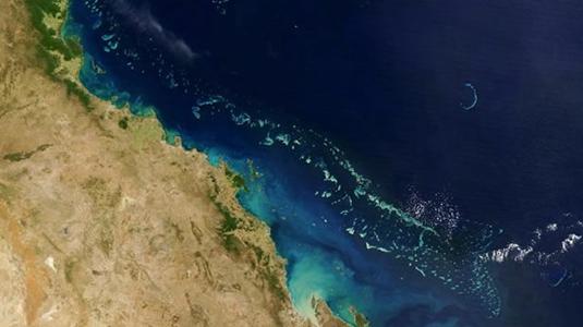 صورة من الفضاء لسواحل أستراليا