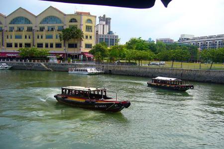 جانب من نهر سنغافوره والـ bunboats