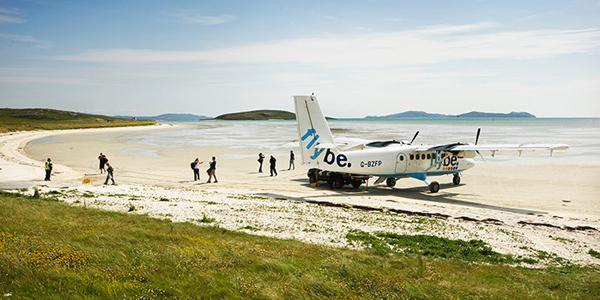 مطار بارا على شاطئ جزيرة بارا، اسكتلندا