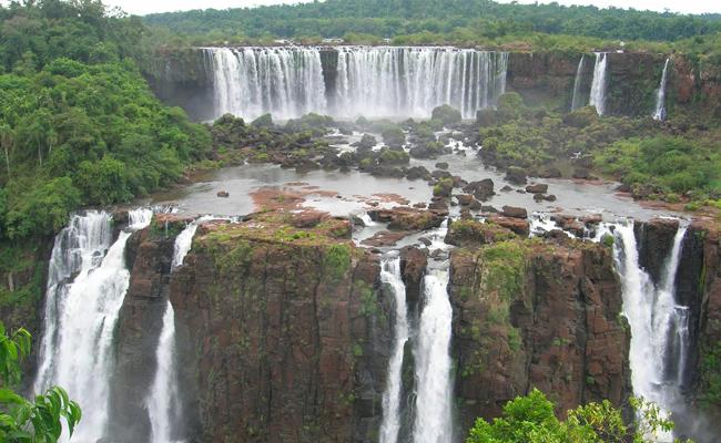 شلالات اجوازو على الجانب البرازيلي