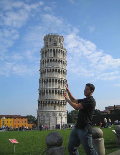 برج بيزا المائل، إيطاليا