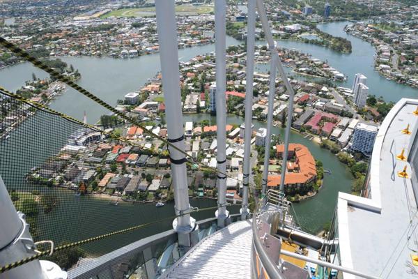 """الصعود على برج """"كيو 1"""" جولد كوست، أستراليا"""