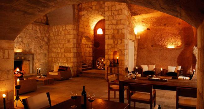 """مطعم فندق """"أرجوس"""" في كبادوكيا، تركيا"""