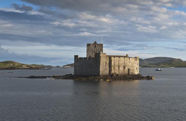 قلعة Kisimul في جزيرة بارا، اسكتلندا