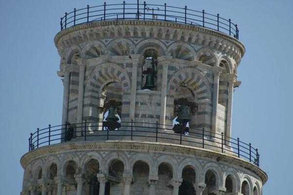 قمة برج بيزا المائل، إيطاليا