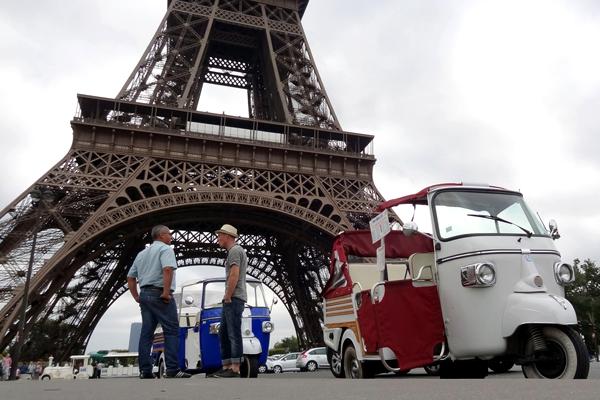 التك تك في باريس