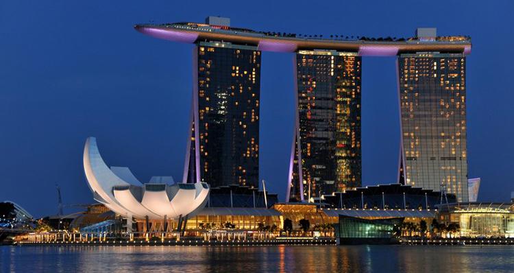فندق Marina Bay Sands بأبراجه الثلاثة