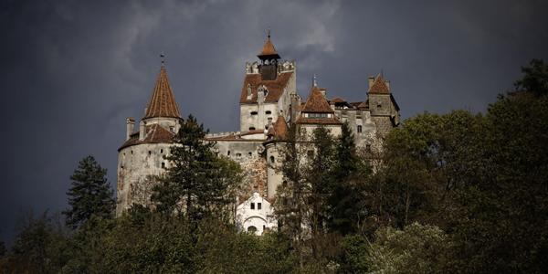 قلعة دراكولا في رومانيا