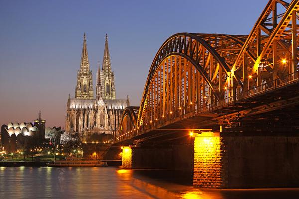 تحتل كاتدرائية كولونيا المرتبة الأولى بين الأماكن المُفضلة للمواطنين الألمان