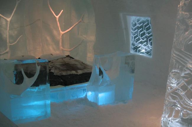 غرفة نوم في فندق الثلج في السويد