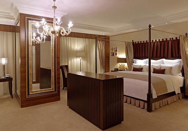 غرف الفندق مُريحة وواسعة بتصميم تركي يجمع بين الأناقة والبساطة