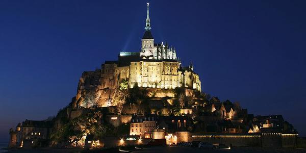 قلعة (مونت سانت ميشيل) فرنسا