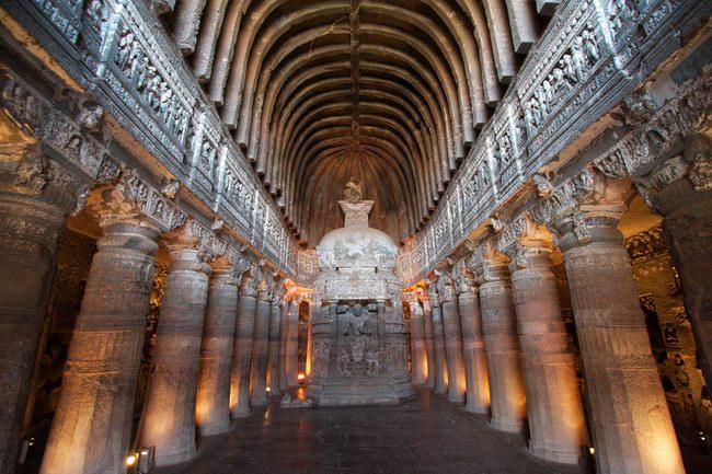 تمثال بوذا في الكهف رقم واحد