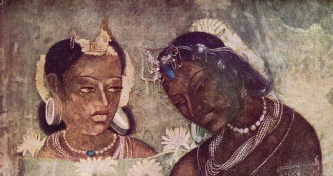 رسومات ملونة على جدران الكهوف من الداخل