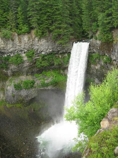 شلالات brandywine falls في كولومبيا البريطانية، كندا