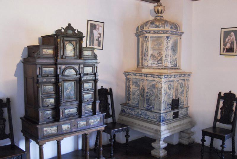 أثاث القلعة من الداخل والذي كان خاصاً لملكة رومانيا