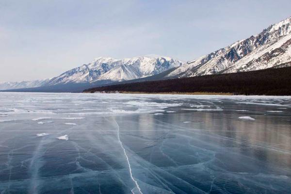 بحيرة بايكال، روسيا